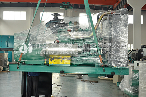 一台300kw上海乾能配恒声全自动发电机组发货山东